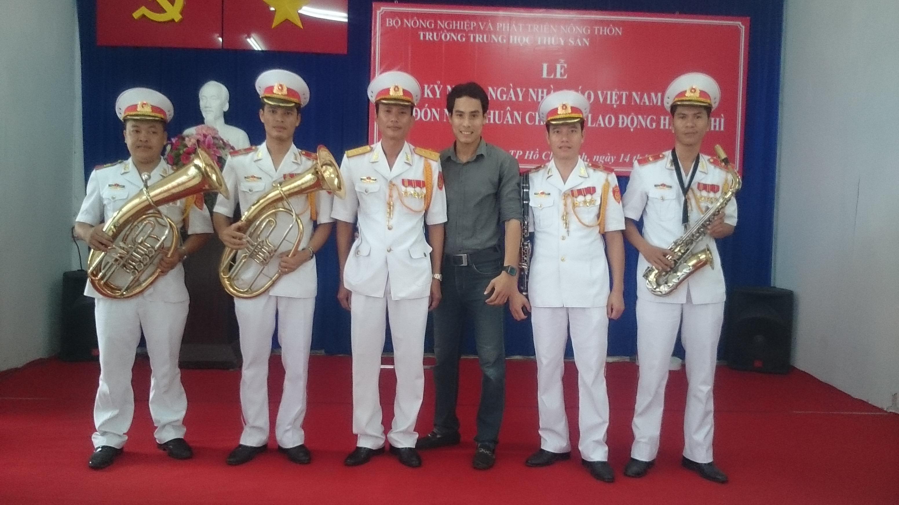 Cung cấp đoàn quân nhạc , cho thuê đoàn nghi lễ quân đội